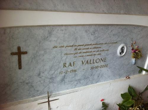 Raf_Vallone.jpg
